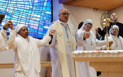 Prière des malades présidée par Monseigneur Rey